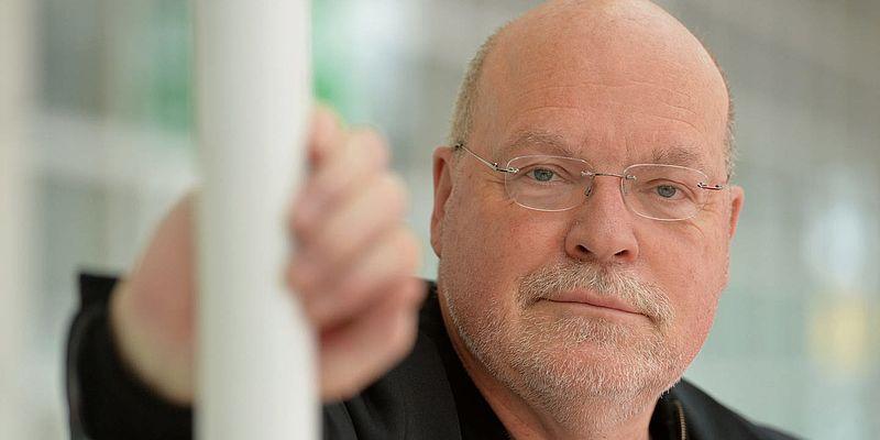 """Ulrich Schacht liest aus seinem Roman """"Vereister Sommer"""""""